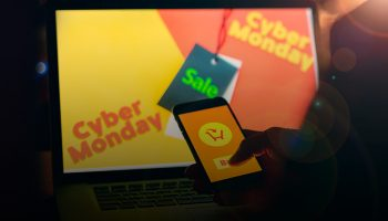 Ivacy-VPN's-Cyber-Monday-Back-with-a-Bang